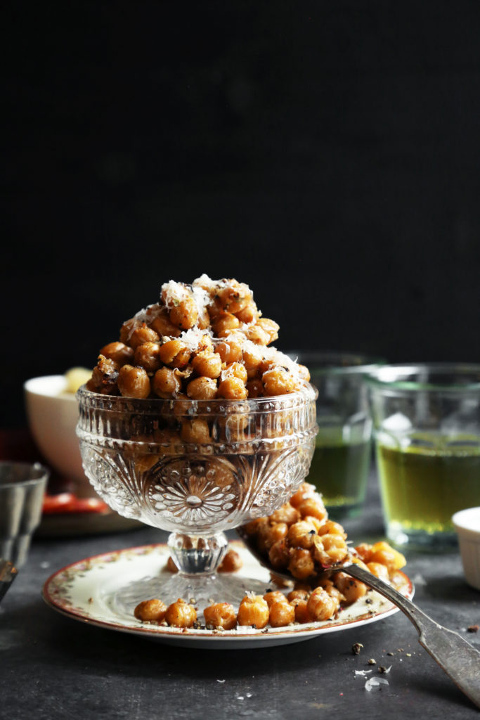 Cacio e Pepe Roasted Chickpeas