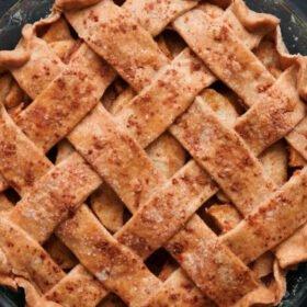 Apple Pie Recipe (Eggless & Vegan)